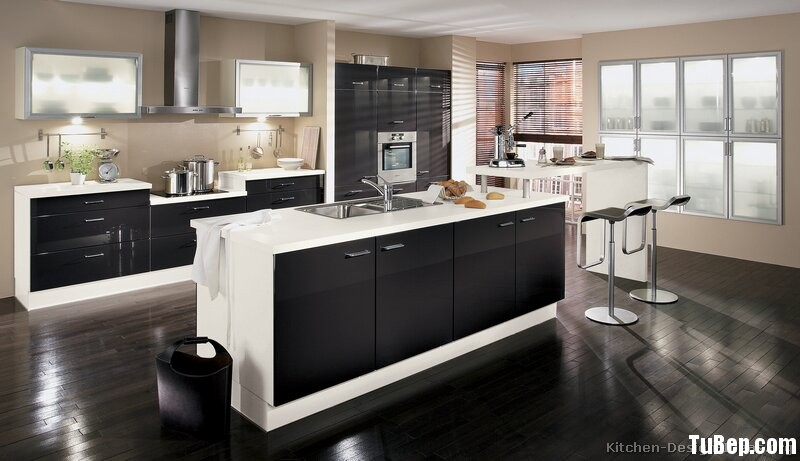 kitchen-cabinets-modern-two-tone-190-A097a-black-white-brown-walls-island-seating